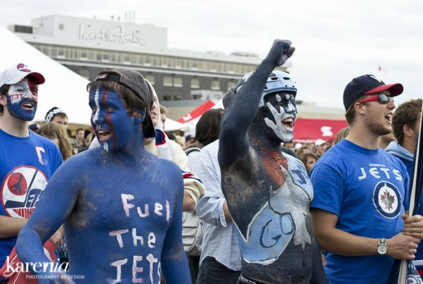 20111009-WinnipegJetsFans