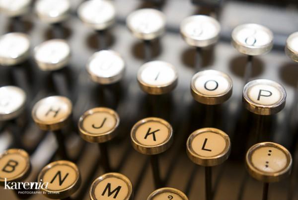KN-Typewriter-3322